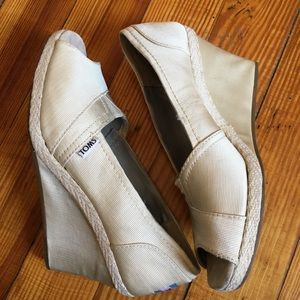 TOMS Cream Peep Toe Wedges